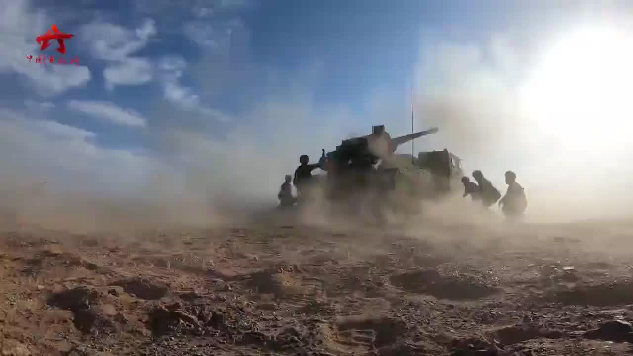 陆军赴俄参加国际军事比赛部队出征