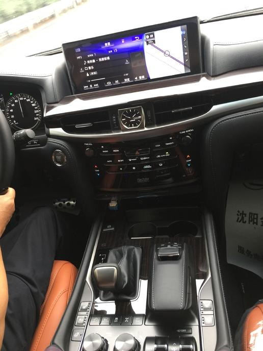 不再犹豫地订车,雷克萨斯LX 570巅峰限量版。