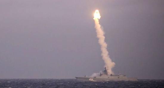 美媒:中国新导弹将令美航母失去统治地位