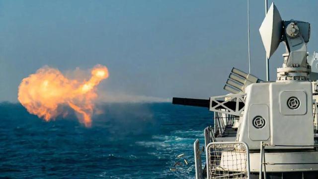 看不够!近距离围观南海水兵训练的精彩瞬间