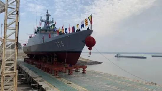 中国为马来西亚制造的第4艘濒海军舰在武汉下水(图)