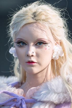 时尚潮女神似芭比娃娃