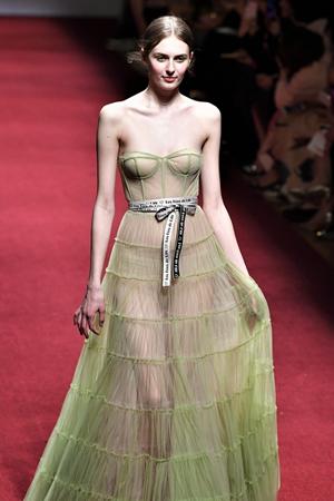 中国国际时装周上的小仙女