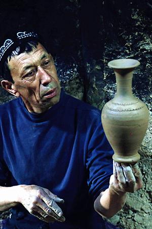 喀什土陶传人的绝技