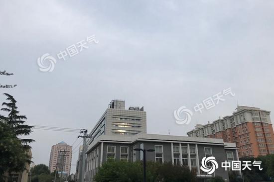 今晨,北京海淀区云量有所增多。