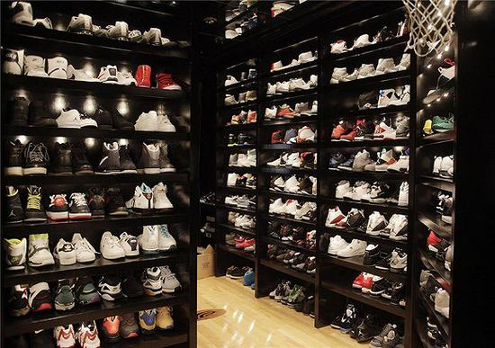 """千禧一代开始疯狂""""囤鞋"""" 男性人均拥有15双"""