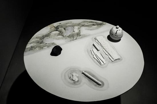 物质的关系-茶宴,80×80×70cm,2014,彭赞宾