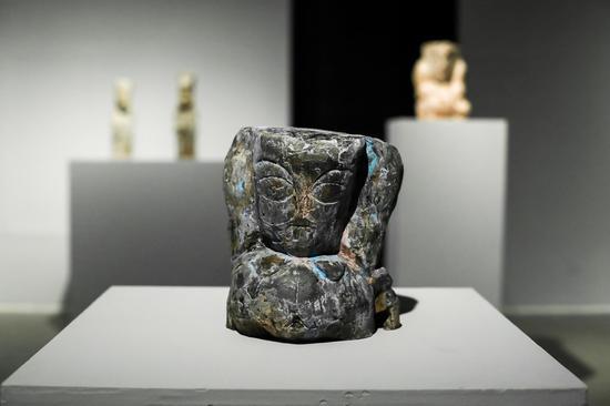 士,23.6X22.5X19.3cm,陶瓷,2019,王京成