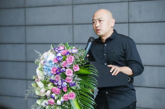 中国艺术研究院中国雕塑院副院长、首届现代青年陶艺双年展参展艺术家郅敏