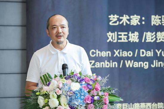 清华大学教授、本次展览学术提名白明