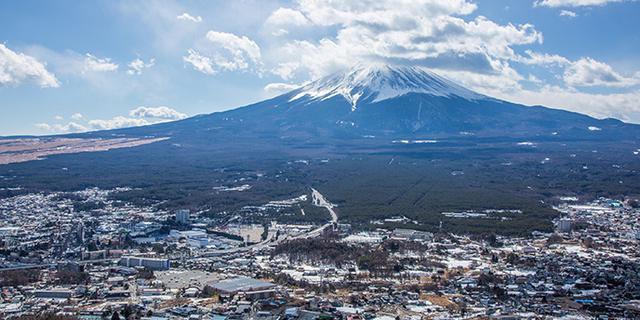看尽富士山风云变幻