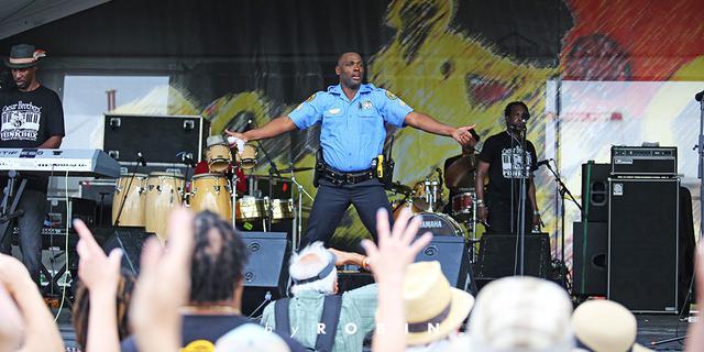 警察都High的新奥尔良爵士音乐节