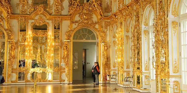 黄金打造的女皇宫殿