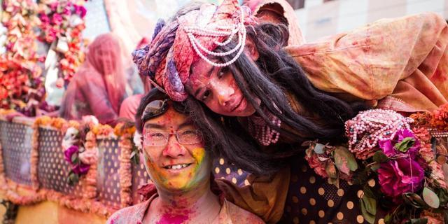 洒红节,印度男人发狂的节日