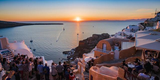 圣托里尼的夕阳日落爱琴海