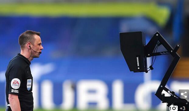 英超名哨:裁判没给曼联点球太谜 看回放肯定得判