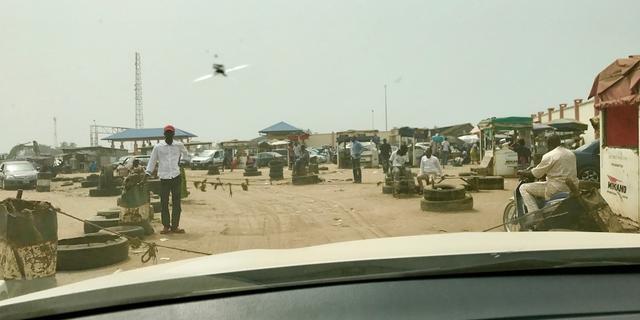 闯过了危机四伏的尼日利亚