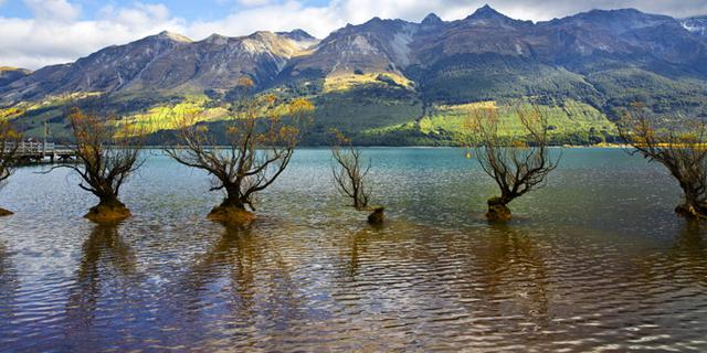 会涨潮落潮的湖