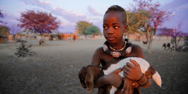 原始部落辛巴族的孩子们