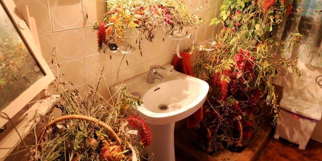 被干花香草萦绕的洗手间
