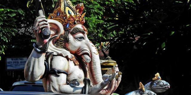巴厘岛上随处可见的神像