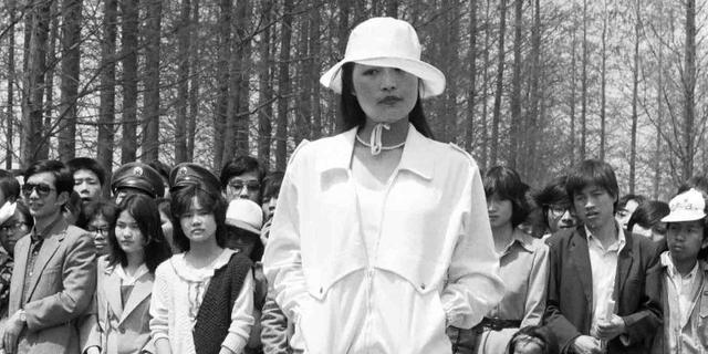 1988年的模特時裝秀長這樣