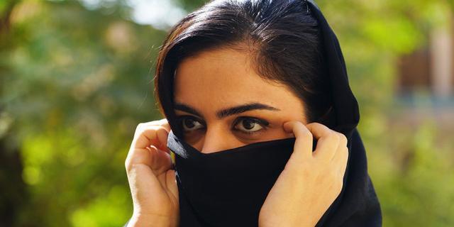 伊朗美女有一双迷人的大眼睛