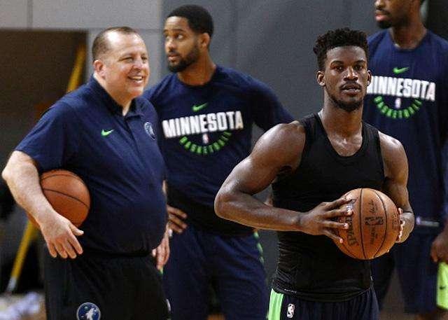 KG密切关注NBA第一闹剧!他认为整件事槽点在这