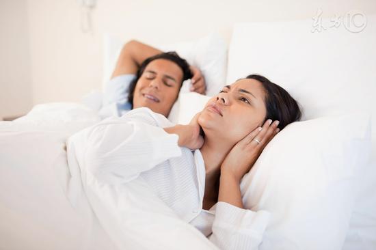 为什么睡觉时有人会打呼噜?