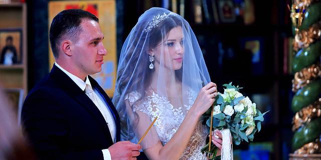 贝加尔湖的教堂婚礼