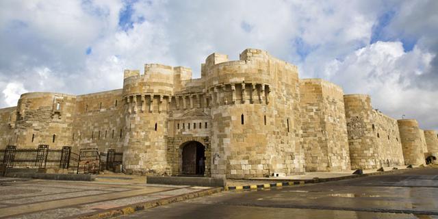 建在第七大奇迹原址上的古堡