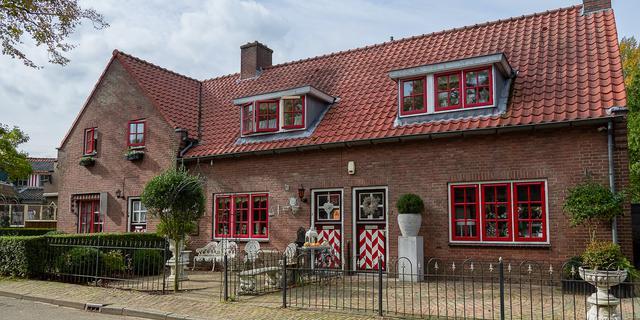 荷兰三色村之古朴幽雅的红村