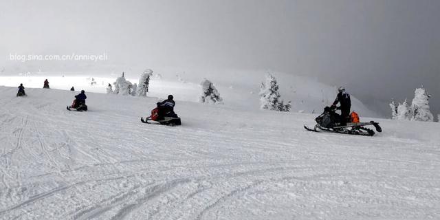 """驾驶雪地摩托到西黄石看""""雪鬼"""""""