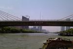 清宁大桥下水闸惊现男尸