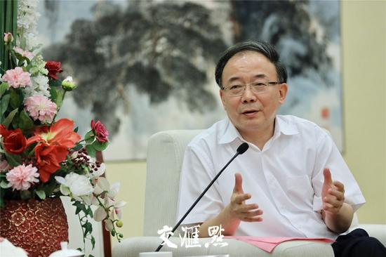 江苏省委常委、无锡市委书记李小敏。