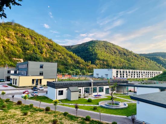 2020年4月,苏陕产业合作延安斯派尔集成建筑科技有限公司建成投产