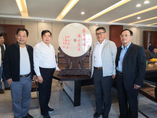 新吴区、梅村街道二级老促会领导走访会员企业
