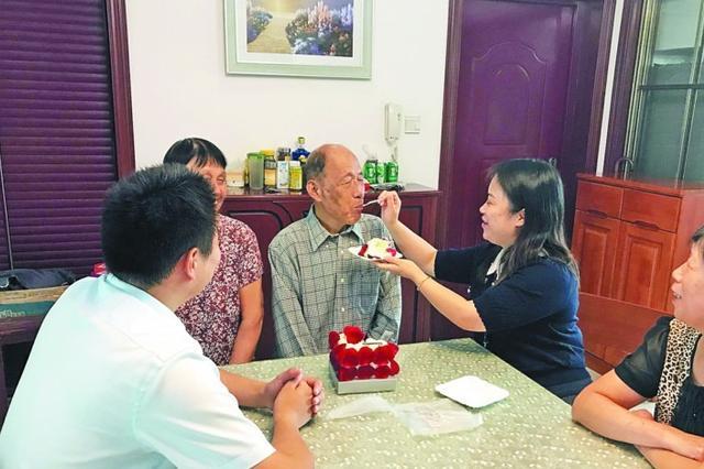 扬名街道清二社区 每月18日社区义诊日