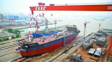 江阴企业造出全球最大沥青船