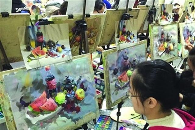 近500名中学生锡城比拼画技 初中生技艺比肩高中生