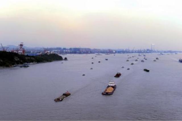 """""""黄金岸线""""上打造""""黄金港口"""" 江阴港经济向""""轻快""""转型"""