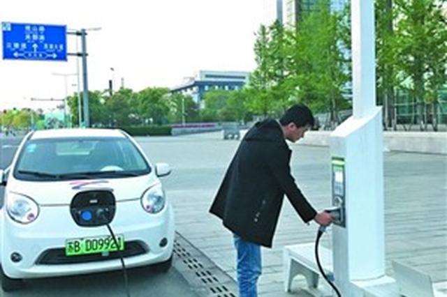 """提供汽车充电免费上网  """"智慧路灯""""太湖新城""""上岗"""""""