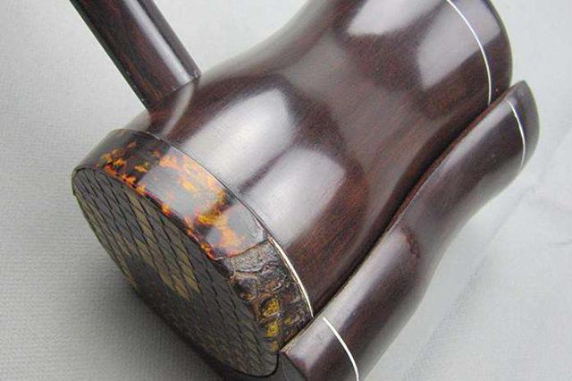 人民日报:传统乐器无锡二胡生产  走向绿色环保