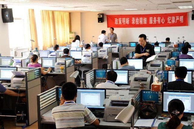 江苏本一批次开始录取 不少名校在投档前增加计划
