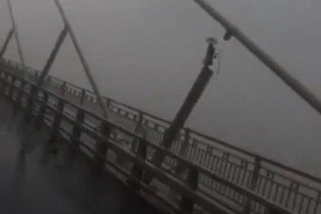 苏通大桥取消特级管制 网传拉索断裂为不实消息