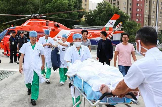 无锡三院空中转运烧伤救治患者 已脱离生命危险