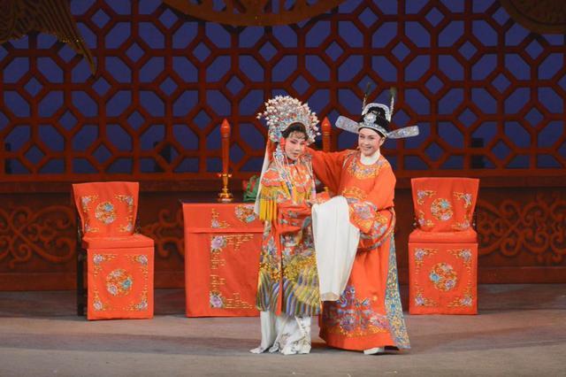 倷伲锡剧唱响香江畔!名剧《孟丽君》首次在香港公演