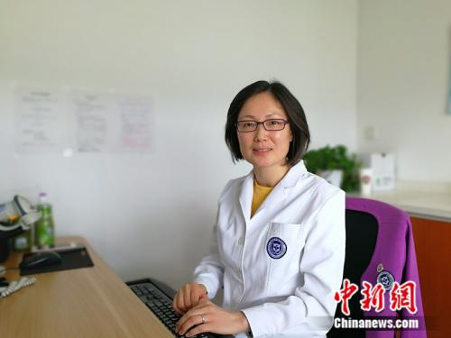 北京大学人民医院妇科副主任医师赵昀。 中新网记者 张尼 摄