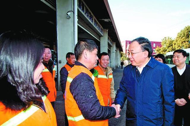 李小敏检查春节安全稳定工作 慰问一线职工