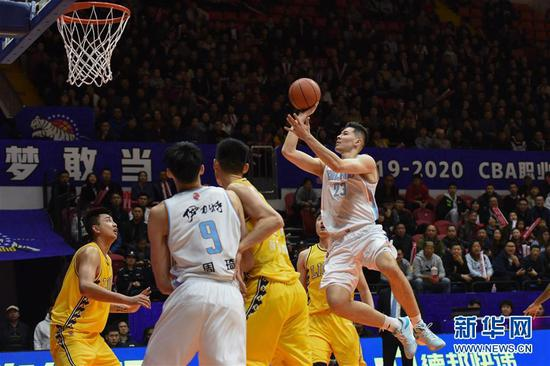 CBA常规赛:新疆伊力特对阵浙江广厦控股